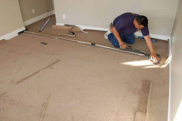 How to install wall to wall carpeting yourself